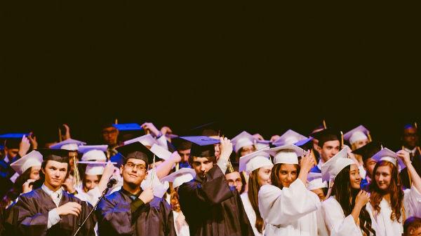 Réseau Alumni : pourquoi intégrer un réseau de diplômés ? Les avantages.