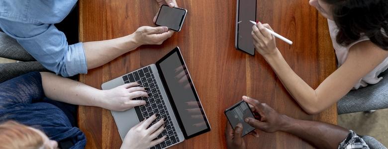 Les usages numériques des Français passés au crible en 2021