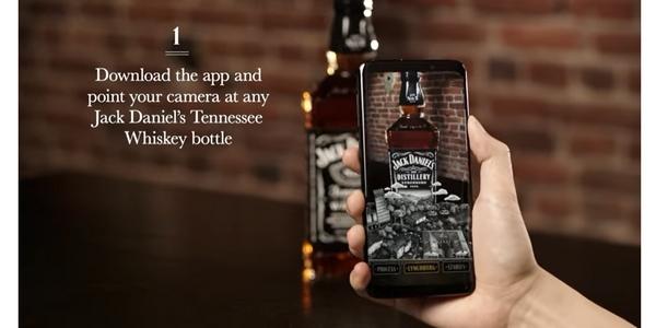 Combiner étiquettes intelligentes et réalité augmentée est une tendance forte chez les alcooliers.